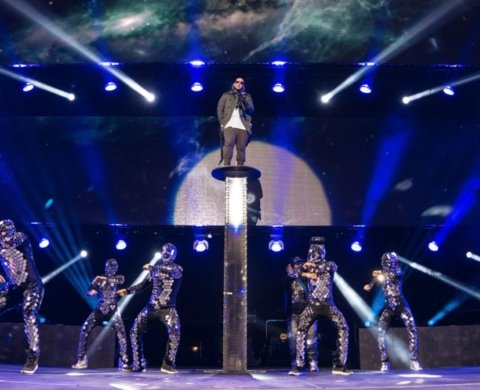 "MIRROR COSTUMES FOR ""DYCREW"" – MADISON SQUARE GARDEN DADDY YANKEE 2015, NEW YORK"